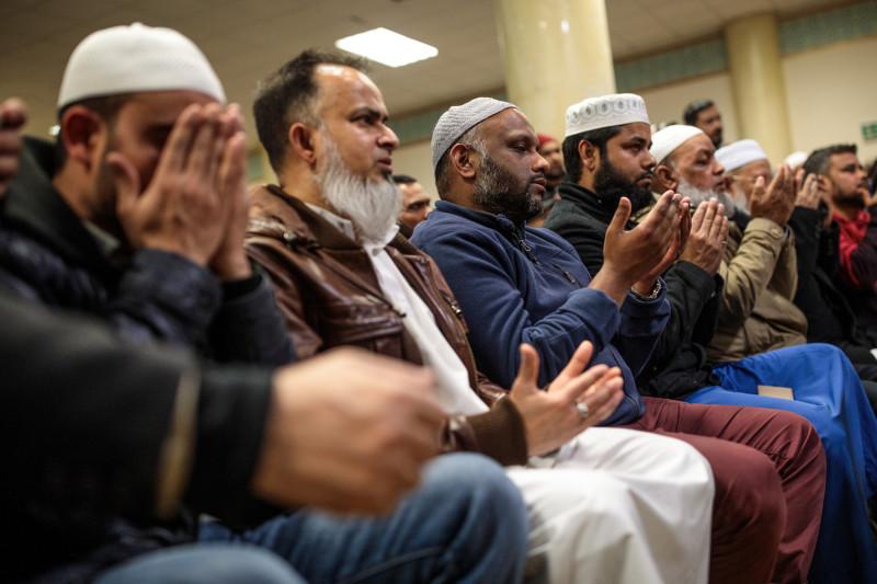 ব্রিটেনে বাড়ছে মুসলিমদের সংখ্যা